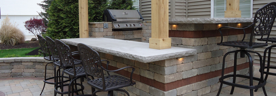 Outdoor Kitchens and Grilling Areas